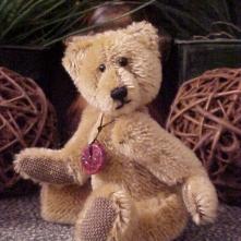 "Gaarth- Mini 6"" Mohair Bear with Stone Pendant"