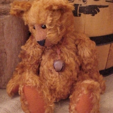 Roary- Cinnamon Curly Mohair Bear with Wobble Joints, Glass Eyes, Wearing a Rusty Jingle Bell.