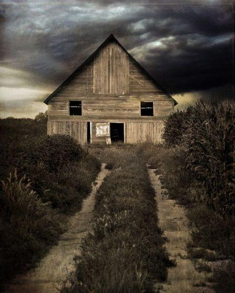 Old Spooky Barn in Back Lot