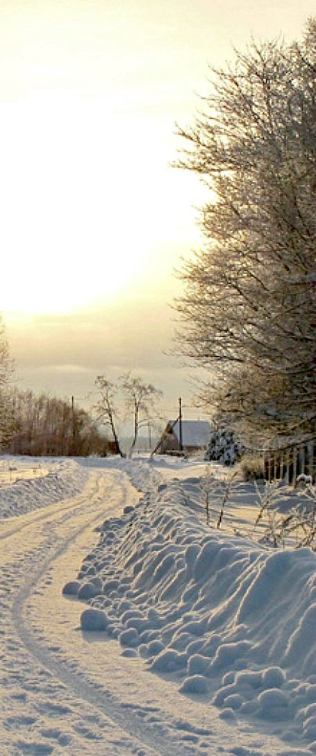 Snowy Country Road- found on anypics.ru