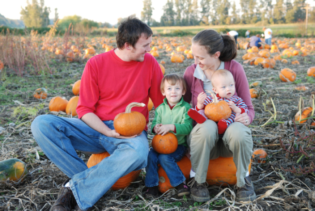 Creating Memories at the Pumpkin Patch (via WoodTV.com)
