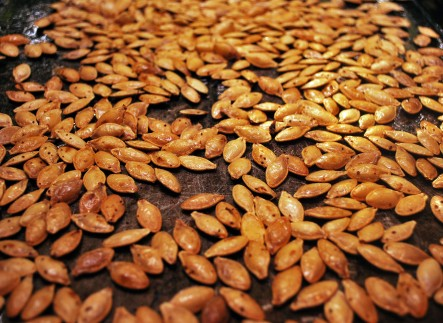 roasted-pumpkin-seeds-2